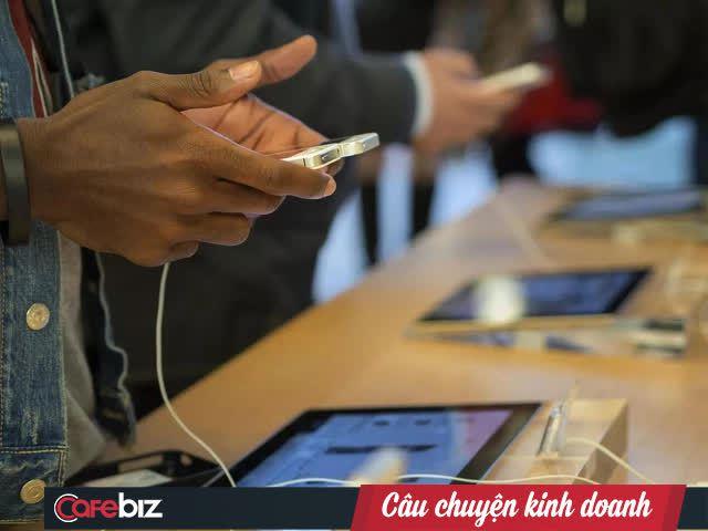 Điều gì giúp Apple thành một thương hiệu độc nhất vô nhị và thu về hàng tỷ USD? - Ảnh 2.
