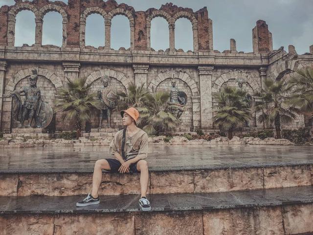 Chẳng cần đến tận trời Tây xa xôi, ở ngay Việt Nam cũng có thể ngắm đấu trường La Mã phiên bản mini đẹp ngỡ ngàng - Ảnh 1.
