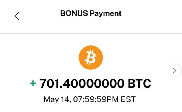 Trả thưởng 701 USD lại nhầm thành 701 Bitcoin, nhiều người dùng nhanh tay rút về ví trữ lạnh - Ảnh 2.