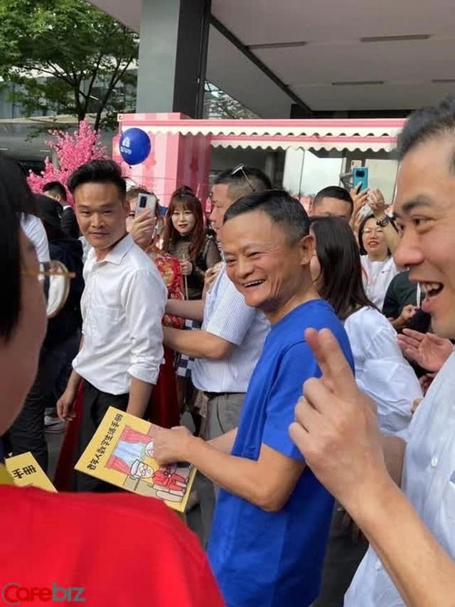 Đến cả Jack Ma cũng phải cần quý nhân phò trợ, bạn có lý do gì để không nỗ lực? - Ảnh 1.