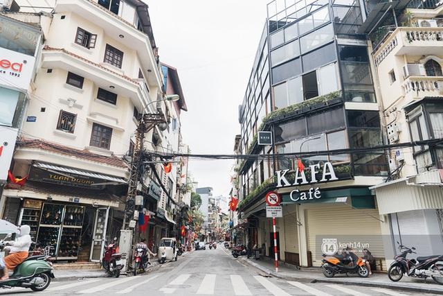 Quán xá Hà Nội thay đổi 180 độ sau công điện hoả tốc: Hàng loạt nơi rục rịch đóng cửa tạm thời, treo biển chỉ bán mang về - Ảnh 1.