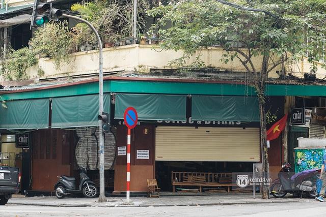 Quán xá Hà Nội thay đổi 180 độ sau công điện hoả tốc: Hàng loạt nơi rục rịch đóng cửa tạm thời, treo biển chỉ bán mang về - Ảnh 2.