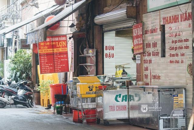 Quán xá Hà Nội thay đổi 180 độ sau công điện hoả tốc: Hàng loạt nơi rục rịch đóng cửa tạm thời, treo biển chỉ bán mang về - Ảnh 18.