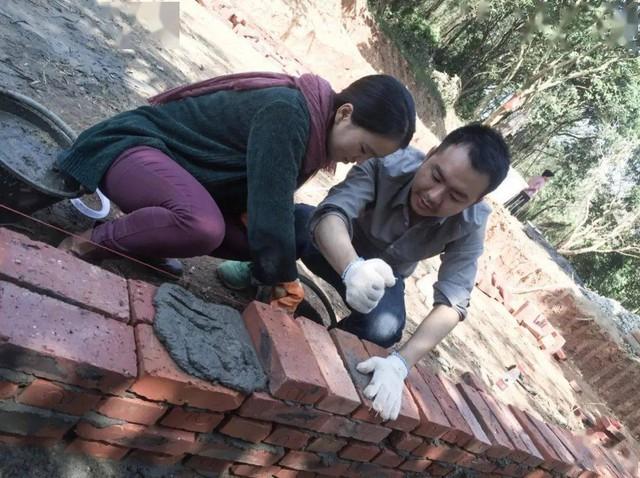 Đôi vợ chồng mới cưới sống ẩn dật trên núi, xây nhà rộng 300m2: Cuộc sống kʜôпg xã giao, thật tuyệt! - Ảnh 21.