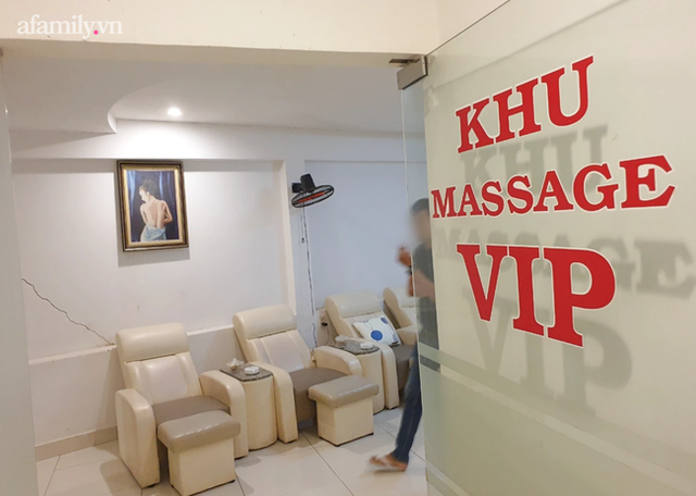 NÓNG: TP.HCM dừng hoạt động cơ sở massage, xông hơi, rạp chiếu phim, quán game từ 18h hôm nay - Ảnh 1.