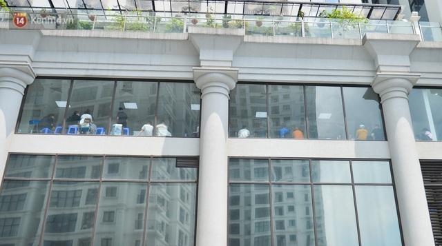 Hà Nội: Cư dân bất an sau vụ 46 người Trung Quốc nhập cảnh trái phép, thuê chung cư sinh sống - Ảnh 5.
