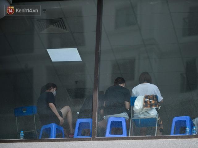 Hà Nội: Cư dân bất an sau vụ 46 người Trung Quốc nhập cảnh trái phép, thuê chung cư sinh sống - Ảnh 7.