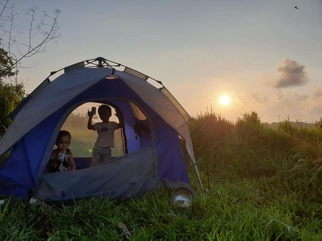 Bán hết tài sản, cặp vợ chồng Vũng Tàu đạp xe chở 2 con nhỏ đi phượt khắp Việt Nam  - Ảnh 13.
