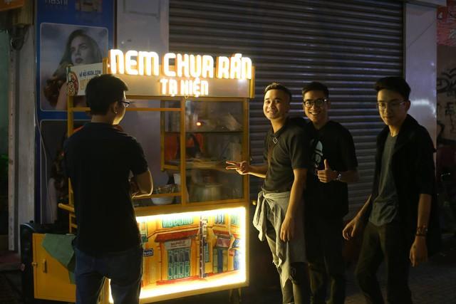 Founder Hanoi Ngon kể về hành trình 3 năm từ xe đẩy vỉa hè trở thành ngôi sao trên app giao nhận: Tận dụng triệt để Grab, Now và Beamin cộng nhiều thủ thuật marketing – thu thập dữ liệu 'quái chiêu' - Ảnh 1.