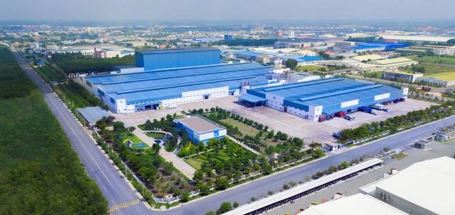 Sở hữu hệ thống nhà máy thuộc hàng khủng, Vinamilk nhiều năm liên tiếp dẫn đầu ở nhiều ngành hàng lớn - Ảnh 2.