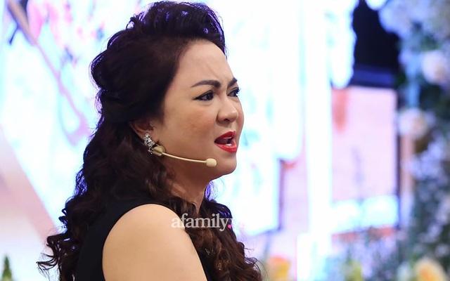 Thừa nhận ngủ ít, ốm đi, bà Nguyễn Phương Hằng đáp trả lý do vì sao thường xuyên livestream và nhắc tới tên các nghệ sĩ - Ảnh 1.