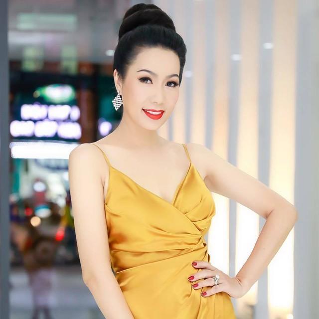 Hết Hoài Linh, Đàm Vĩnh Hưng, tới NS Trịnh Kim Chi ngồi im cũng trúng đạn được bà Phương Hằng khiêu chiến trong livestream - Ảnh 2.