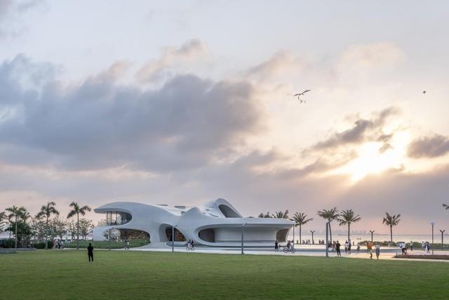 Thư viện nằm bên bờ biển có cấu trúc độc lạ, có một không hai - Ảnh 20.