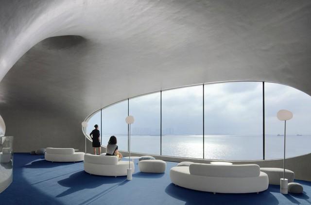 Thư viện nằm bên bờ biển có cấu trúc độc lạ, có một không hai - Ảnh 9.