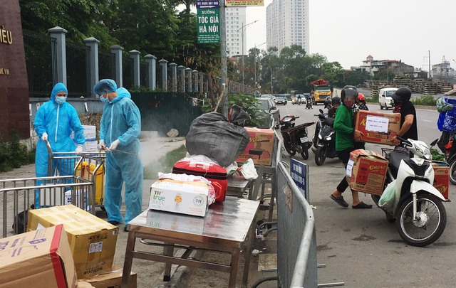 [Chùm ảnh]: Bệnh viện K - cơ sở Tân Triều, Hà Nội sau khi bị phong toả và cách ly - Ảnh 9.