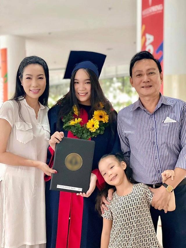 Á hậu kín tiếng dính lùm xùm với bà Phương Hằng - vợ ông Dũng Lò Vôi: 59 tuổi vẫn tốt nghiệp đại học, gây ngạc nhiên vì cách dạy con - Ảnh 7.