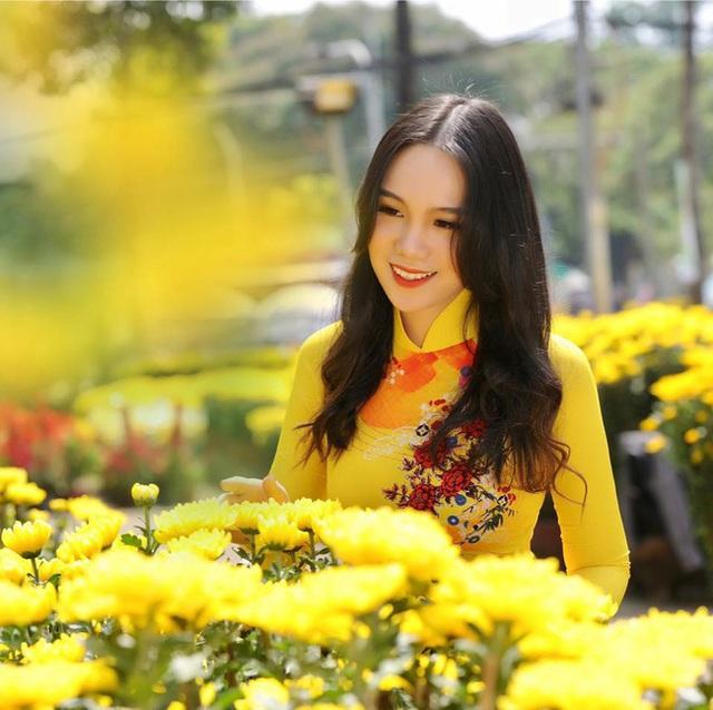 Á hậu kín tiếng dính lùm xùm với bà Phương Hằng - vợ ông Dũng Lò Vôi: 59 tuổi vẫn tốt nghiệp đại học, gây ngạc nhiên vì cách dạy con - Ảnh 8.