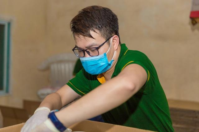 Một công ty bán nhung hươu nhập khẩu nấu 7.500 suất cháo nhung hươu tiếp sức cho 2.000 y bác sĩ tại 7 bệnh viện ở Bắc Giang - Ảnh 5.