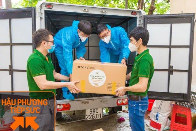 Một công ty bán nhung hươu nhập khẩu nấu 7.500 suất cháo nhung hươu tiếp sức cho 2.000 y bác sĩ tại 7 bệnh viện ở Bắc Giang - Ảnh 1.