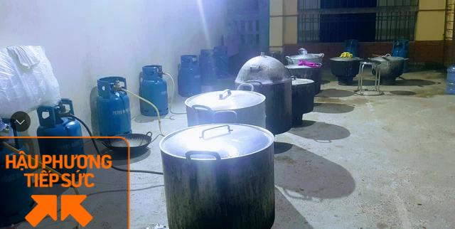 Một công ty bán nhung hươu nhập khẩu nấu 7.500 suất cháo nhung hươu tiếp sức cho 2.000 y bác sĩ tại 7 bệnh viện ở Bắc Giang - Ảnh 3.
