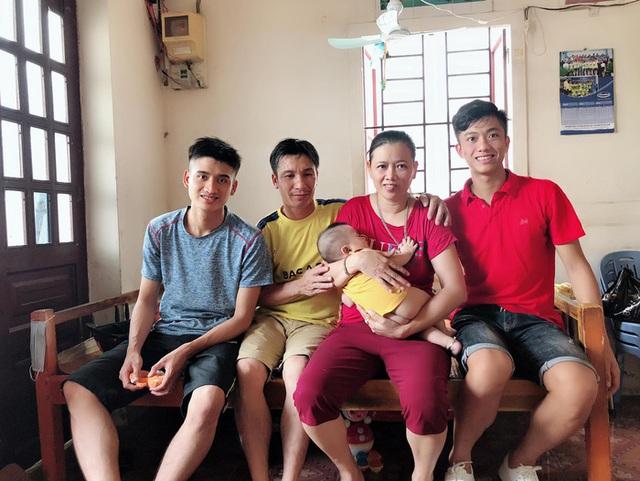 Bố mẹ cầu thủ tuyển Việt Nam: Thương các con vất vả, nhưng hãy vượt mọi khó khăn vì nhiệm vụ Tổ quốc - Ảnh 5.