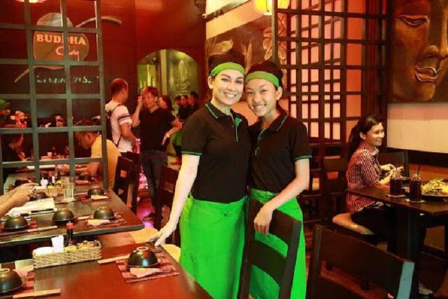 Giữa ồn ào với con trai nuôi Hồ Văn Cường, nhà hàng chay của ca sĩ Phi Nhung nhận bão 1 sao từ cộng đồng mạng - Ảnh 2.
