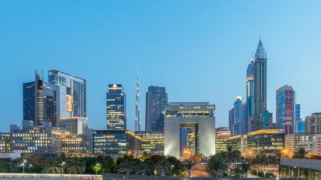 Dubai từ 1 làng chài nhỏ trỗi dậy giàu có rồi đốt tiền cho sân vận động thể thao như thế nào? - Ảnh 3.