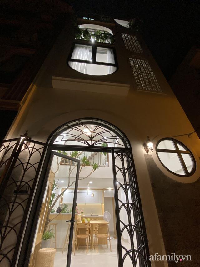 Nhà ống 30m² nhưng ngập tràn ánh sáng tự nhiên ở Long Biên, Hà Nội - Ảnh 2.