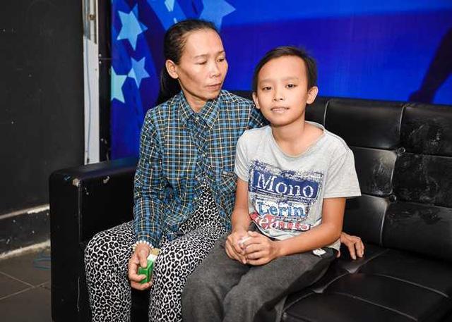 Bố mẹ Hồ Văn Cường đột ngột thay đổi thông tin về khoản 200 triệu tiền thưởng và cát xê 5 năm của con - Ảnh 1.