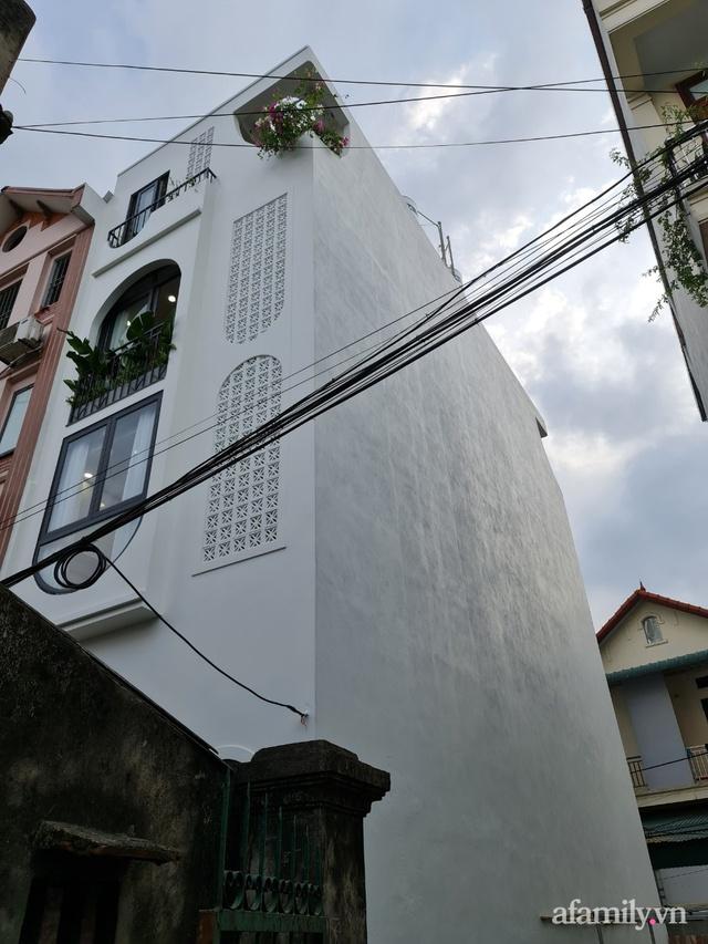 Nhà ống 30m² nhưng ngập tràn ánh sáng tự nhiên ở Long Biên, Hà Nội - Ảnh 3.