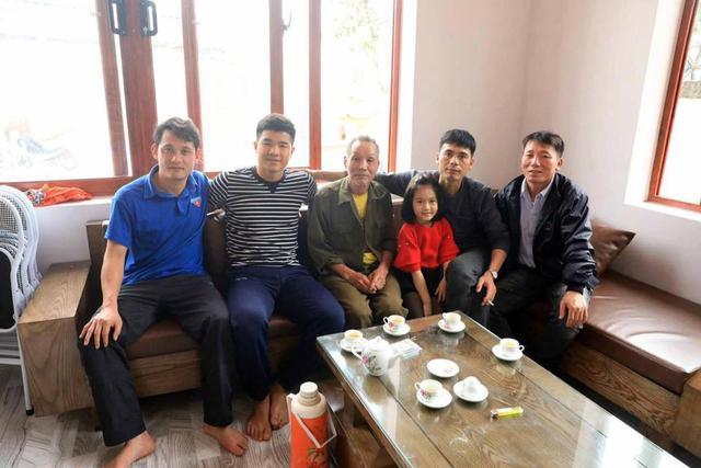 Mục sở thị cơ ngơi hoành tráng của cầu thủ Hà Đức Chinh tặng mẹ: Xây dựng sương sương hết 2 tỷ, có riêng phòng luyện tập thể lực xịn sò - Ảnh 5.