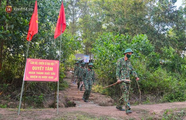 Cuộc hành quân thần tốc trong đêm của chiến sĩ Bắc Giang để nhường doanh trại cho người dân cách ly - Ảnh 3.