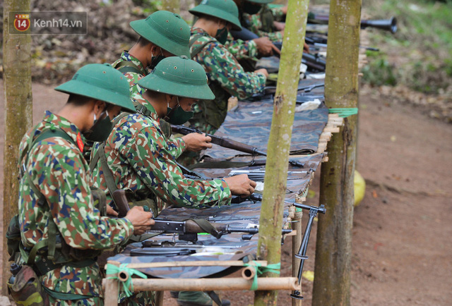Cuộc hành quân thần tốc trong đêm của chiến sĩ Bắc Giang để nhường doanh trại cho người dân cách ly - Ảnh 14.