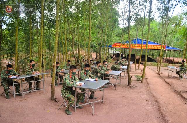 Cuộc hành quân thần tốc trong đêm của chiến sĩ Bắc Giang để nhường doanh trại cho người dân cách ly - Ảnh 15.