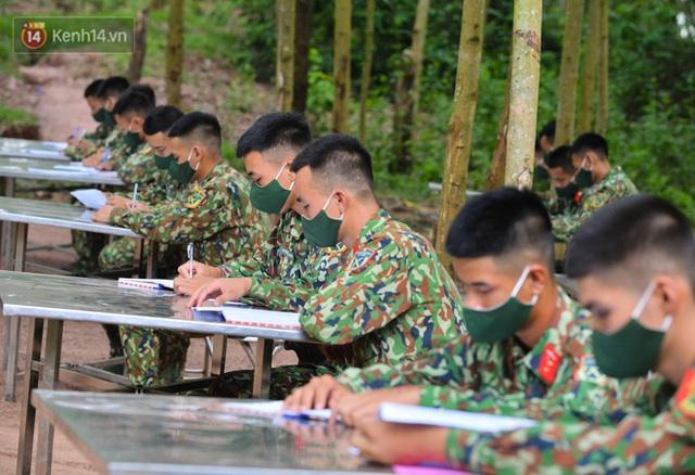 Cuộc hành quân thần tốc trong đêm của chiến sĩ Bắc Giang để nhường doanh trại cho người dân cách ly - Ảnh 16.