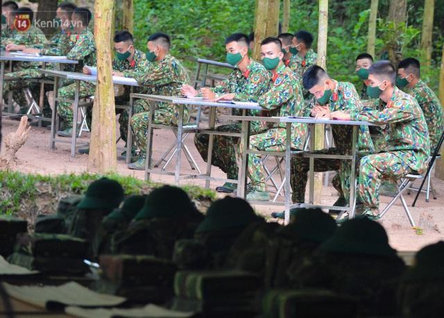 Cuộc hành quân thần tốc trong đêm của chiến sĩ Bắc Giang để nhường doanh trại cho người dân cách ly - Ảnh 17.