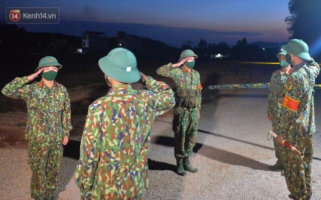 Cuộc hành quân thần tốc trong đêm của chiến sĩ Bắc Giang để nhường doanh trại cho người dân cách ly - Ảnh 22.