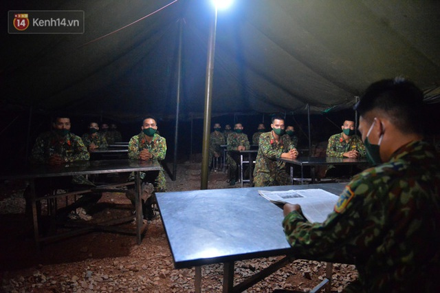 Cuộc hành quân thần tốc trong đêm của chiến sĩ Bắc Giang để nhường doanh trại cho người dân cách ly - Ảnh 25.