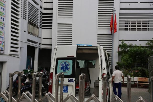 ẢNH: Bệnh viện quận 4 tạm ngừng tiếp nhận bệnh nhân do phát hiện ca dương tính SARS-CoV-2 từng đến chữa trị - Ảnh 4.