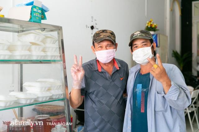 Quán bánh bèo chén của nghệ sĩ Duy Phương: Có người lặn lội đi hơn 20km để mua về, xúc động ảnh 4 người con được treo ở nơi sáng nhất  - Ảnh 5.