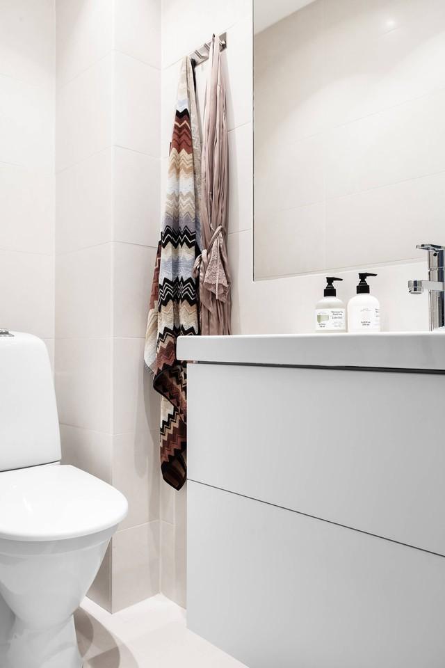 Sau nhiều năm tiết kiệm, cô gái trẻ đã mua được căn hộ 39m² và cải tạo thành không gian đẹp ngọt ngào - Ảnh 10.