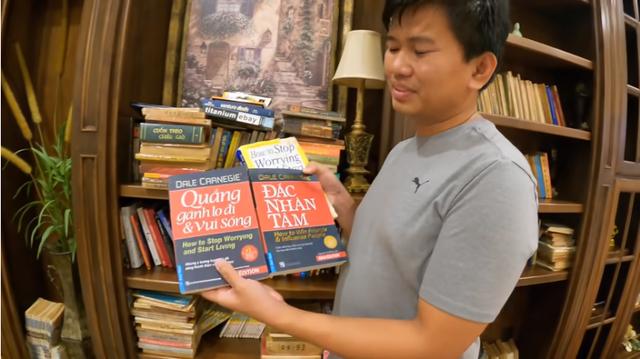 2 cuốn sách gối đầu nằm của triệu phú người Mỹ gốc Việt Vương Phạm - Ảnh 5.