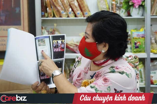 Doanh nhân vừa kiện bà Phương Hằng, đòi bồi thường 1.000 tỷ đồng là ai? - Ảnh 1.