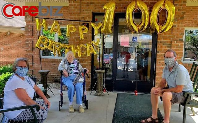 Cụ bà mừng sinh nhật 100 tuổi sau khi đánh bại virus Corona - Ảnh 2.