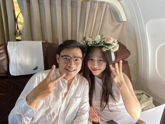 Không cần là Hoa hậu, chỉ cần em ngã vào anh là đủ: Bên cạnh nàng thơ VTV24, còn 2 người đẹp trí thức khác làm xiêu lòng đại gia Việt  - Ảnh 1.
