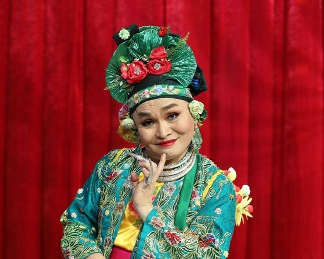 Vua hài đất Bắc Xuân Hinh nghèo khổ trên sân khấu, đại gia thứ thiệt ngoài đời thực: Vừa có nhà chục tỷ ở phố Hàng Bông, vừa có nhà cổ đắt đỏ ở Bắc Ninh  - Ảnh 2.