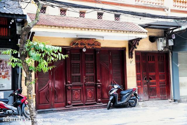 Hà Nội hôm nay mở lại hàng ăn, có quán Phở đông đến mức tạm dừng nhận khách nhưng có nơi cửa đóng chặt vì lý do bất ngờ  - Ảnh 12.