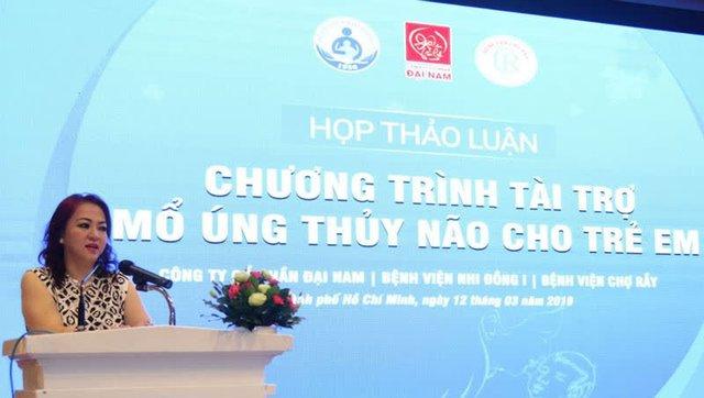 Quỹ từ thiện của bà Phương Hằng và ông Huỳnh Uy Dũng dừng tài trợ chương trình mổ tim và cấp cứu tại 3 bệnh viện - Ảnh 1.
