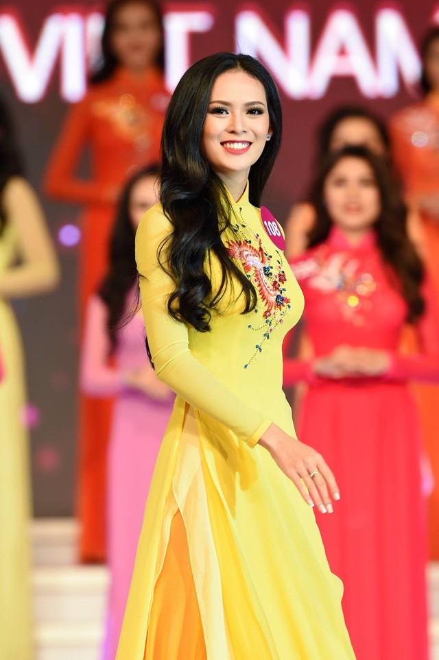 Không cần là Hoa hậu, chỉ cần em ngã vào anh là đủ: Bên cạnh nàng thơ VTV24, còn 2 người đẹp trí thức khác làm xiêu lòng đại gia Việt  - Ảnh 10.