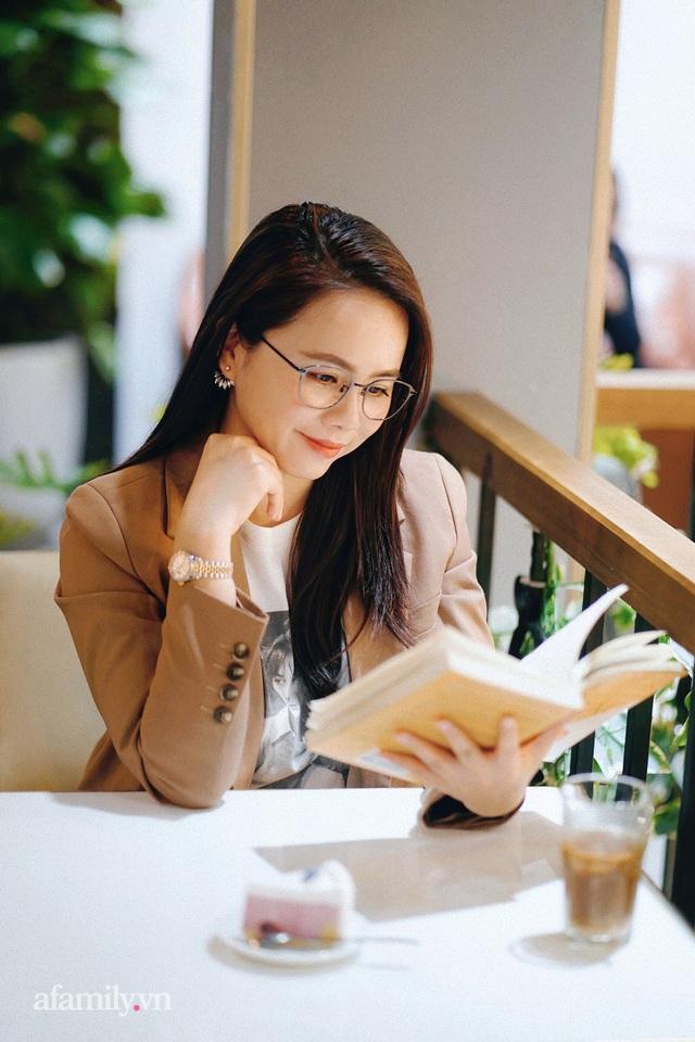 Ms Hoa TOEIC - Chủ tịch trường Anh ngữ nổi tiếng Hà Nội tiết lộ nỗi lo về 2 cô con gái truyền nhân được phát triển hai hệ ngôn ngữ song song từ khi chưa vào lớp 1  - Ảnh 9.